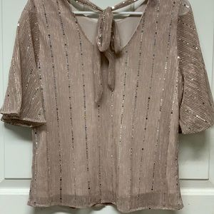 Women's top US size Large